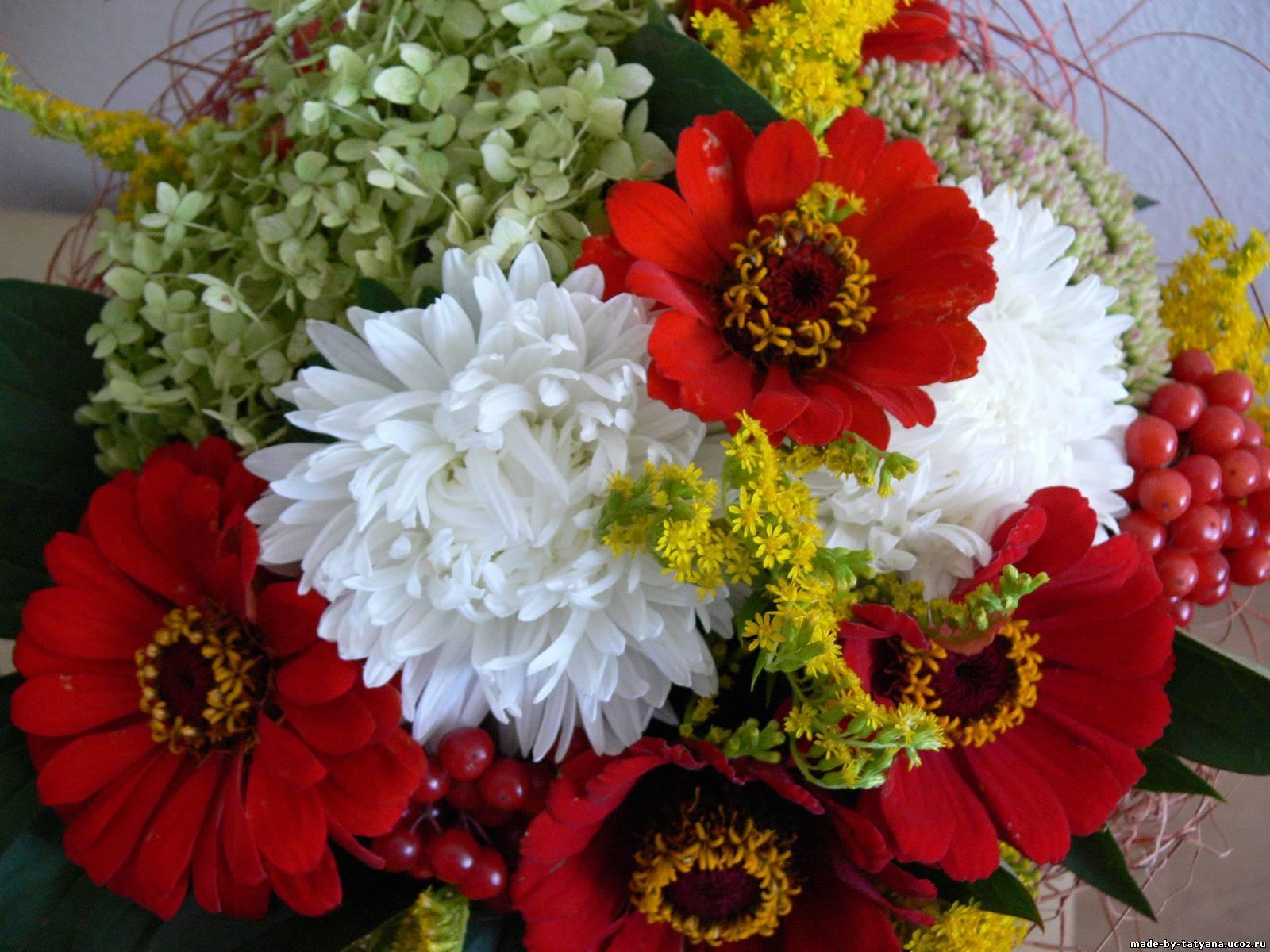 Композиции из садовых цветов фото