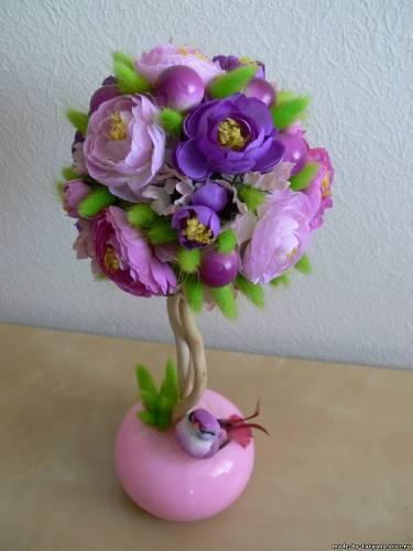 Фото дерева из цветов